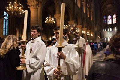 2. Notre Dame arrivee et celebration (25)