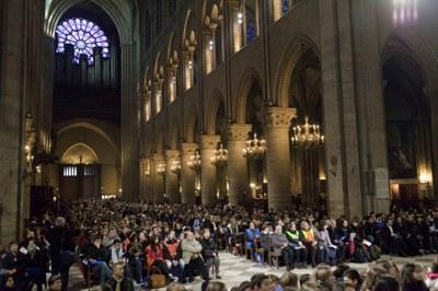2. Notre Dame arrivee et celebration (40)