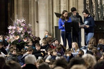 2. Notre Dame arrivee et celebration (44)
