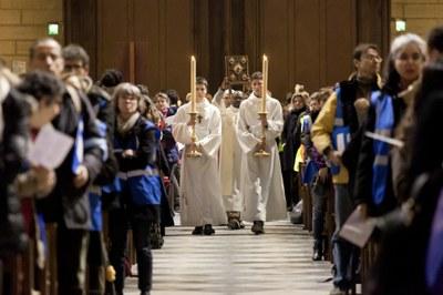 2. Notre Dame arrivee et celebration (56)